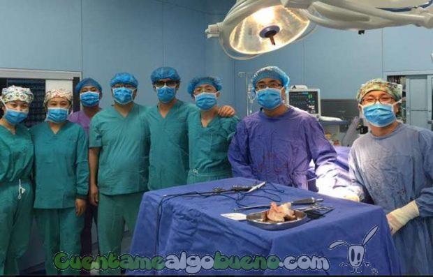 20161031-1-cirujano-extirpa-tumor-pulmones-diego-gonzalez-rivas-02