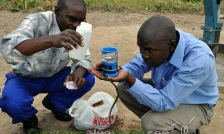 Ingenioso dispositivo produce agua potable para 200 personas