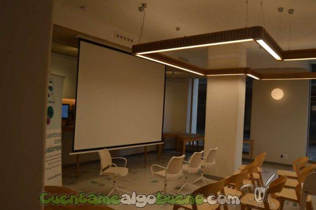 Zona de la oficina dedicada a presentaciones y eventos de sus clientes.