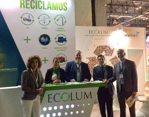 Mejorando el reciclaje de residuos de iluminación en España
