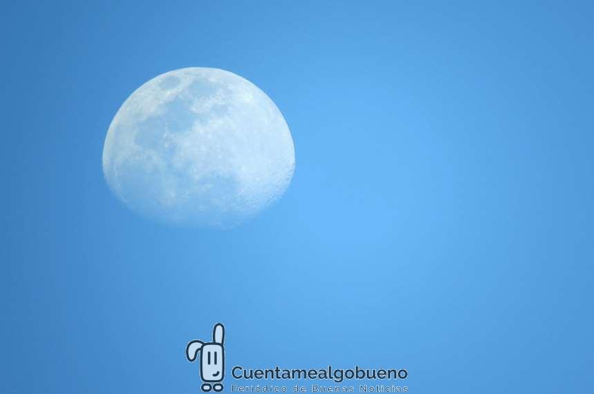 Tirar piedras a la Luna