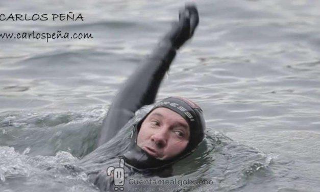 Nuevo reto del nadador Carlos Peña en el Ebro (Navarra)