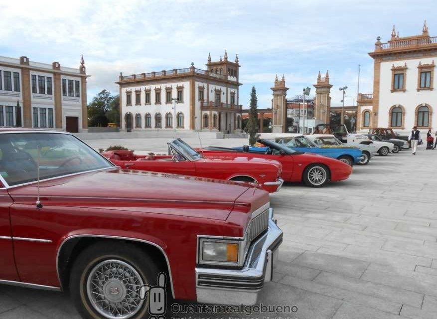 II Caravana Solidaria de coches antiguos en Málaga