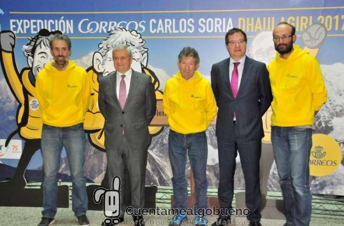 Carlos Soria regresa a Madrid tras intentar coronar la montaña Dhaulagiri