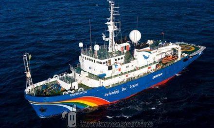 El barco Esperanza de Greenpeace llega a Málaga