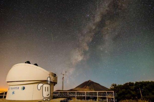 El telescopio robótico MASTER-IAC en el Observatorio del Teide (Izaña, Tenerife), utilizado en la observación de rayos gamma GRB160625B. Crédito: Daniel Padrón/IAC.