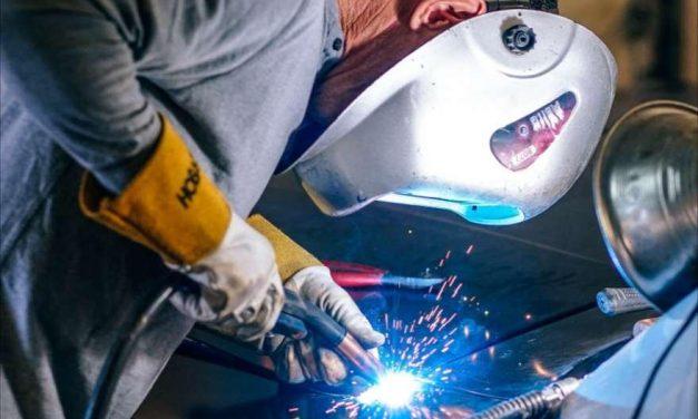 Los accidentes laborales con baja descienden un 57% en España