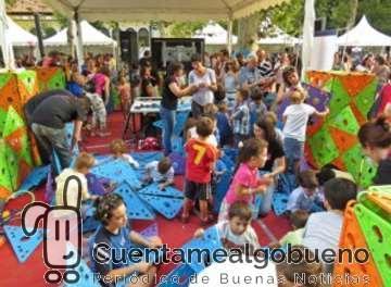 Las ciudades de Andalucía vuelven a celebrar simultáneamente La Noche Europea de los Investigadores de Andalucía