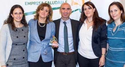 Los impulsores del proyecto en los premios empresa saludable.