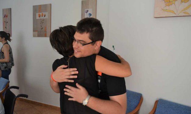 El esperanzador testimonio de una madre por la mejora de su hijo autista en el centro AIDIS (vídeo)