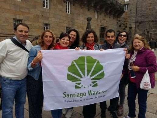 Personal de la agencia de viajes que ha creado el fondo solidario del Camino de Santiago. Foto: Santiago Ways