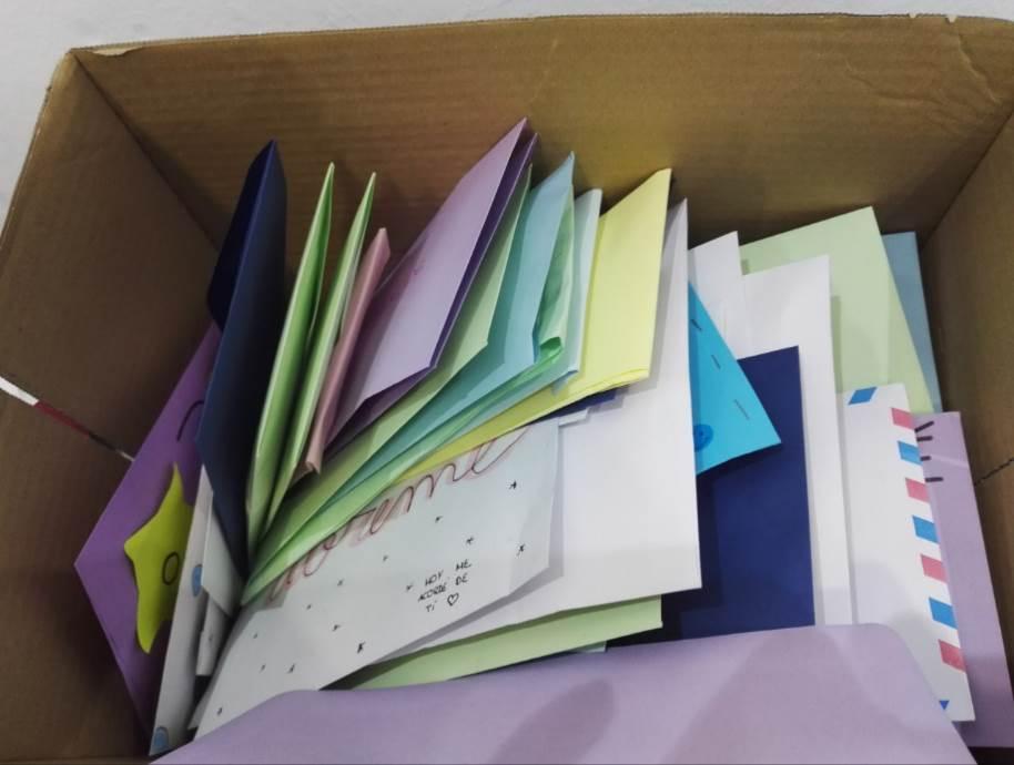 Decenas de cartas de todos los colores llenarán estas Navidades los hospitales de Andalucía y resto de España