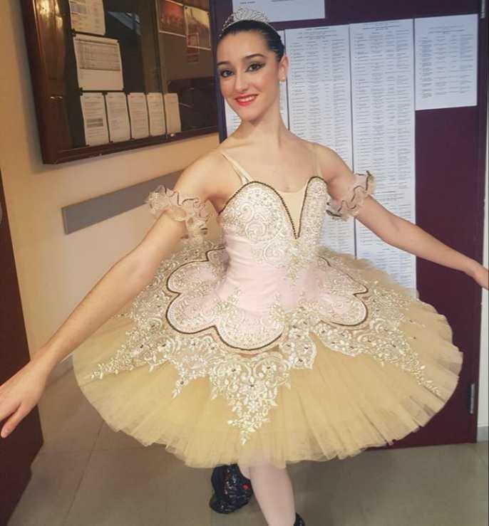 La bailarina y alumna de ESAEM Irene Estévez Hernández en su participación en el YAGP