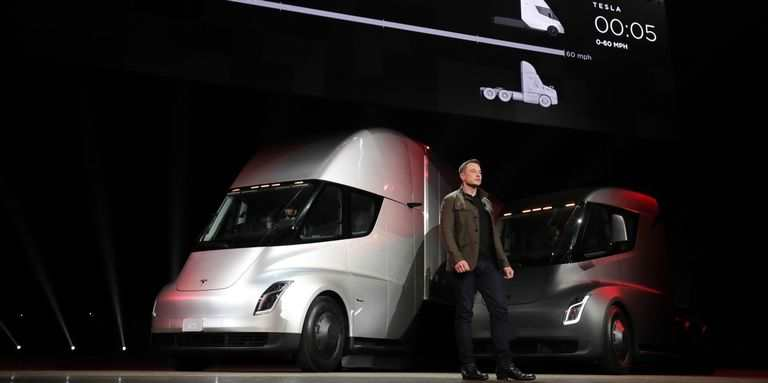 El Tesla Semi permite una autonomía de hasta 800 kilómetros con una carga