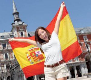 Cada vez son más las personas interesadas en aprender español en todo el mundo. Actualmente es la segunda lengua materna más hablada del mundo por número de habitantes