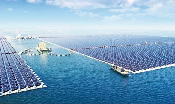 China construye la mayor planta de energía solar flotante más grande del mundo