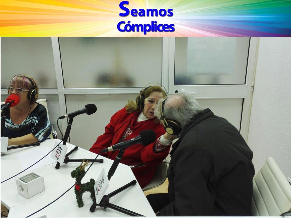 La pareja se mostró así de cariñosa durante el encuentro radiofónico