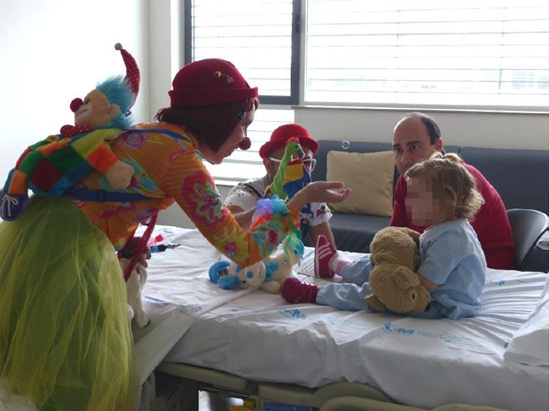 Verónica Macedo presenta su libro con testimonios y su experiencia como Payasa de hospital