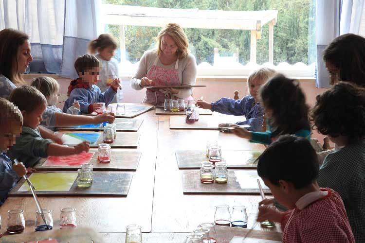 La Razón publica un suplemento esta semana con el ranking de mejores centros educativos de España, una entrevista a Encarnación Alcaraz, Directora de El Farol