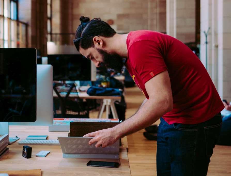 El coworking facilita la creación de sinergias y el trabajar en un espacio más humano e inspirador