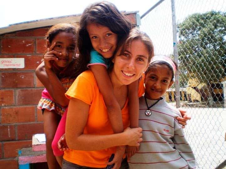 «Voluntarios Viajeros», una campaña para que jóvenes puedan viajar por América Latina