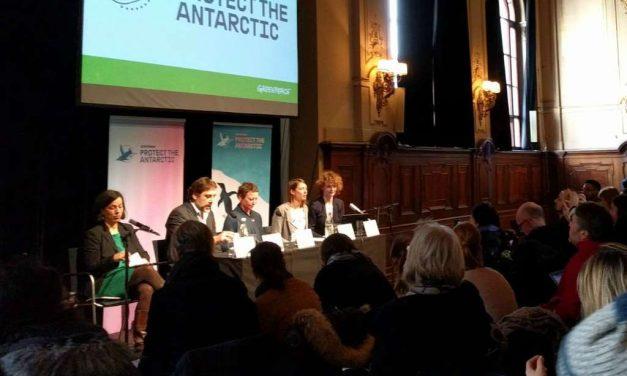 El actor Javier Bardem defiende en Berlín la creación del Santuario Antártico