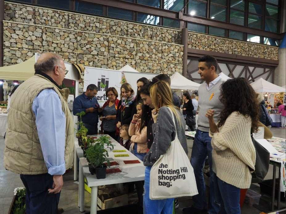 Taller de huerto urbano durante la X Edición de la Feria Natura Málaga