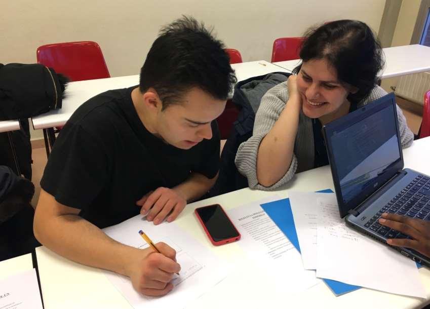 Lays Taynara, una estudiante de 4º del Grado de Trabajo Social de la Universidad de La Rioja, ha impulsado este taller de periodismo inclusivo