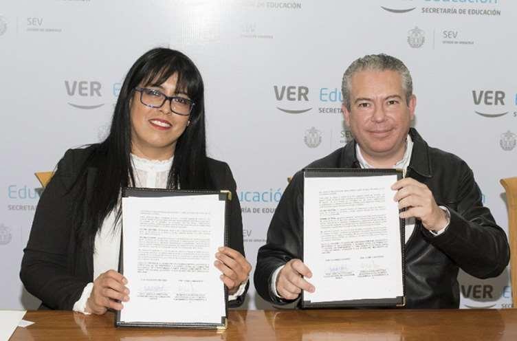 Firma del acuerdo de colaboración con Come Consciente, el programa de política alimentaria de la organización Mercy For Animals en Latinoamérica