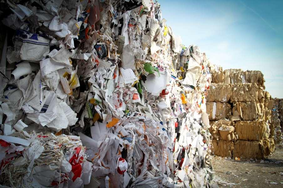 De aquí a 2035m la cantidad de residuos municipales depositados en vertederos habrá de reducirse hasta el 10% o menos de la cantidad total de residuos domésticos municipales generados en la Unión Europea