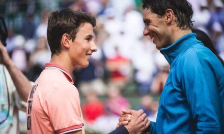 Rafa Nadal cumple el sueño de un recogepelotas al jugar con él en Roland Garros
