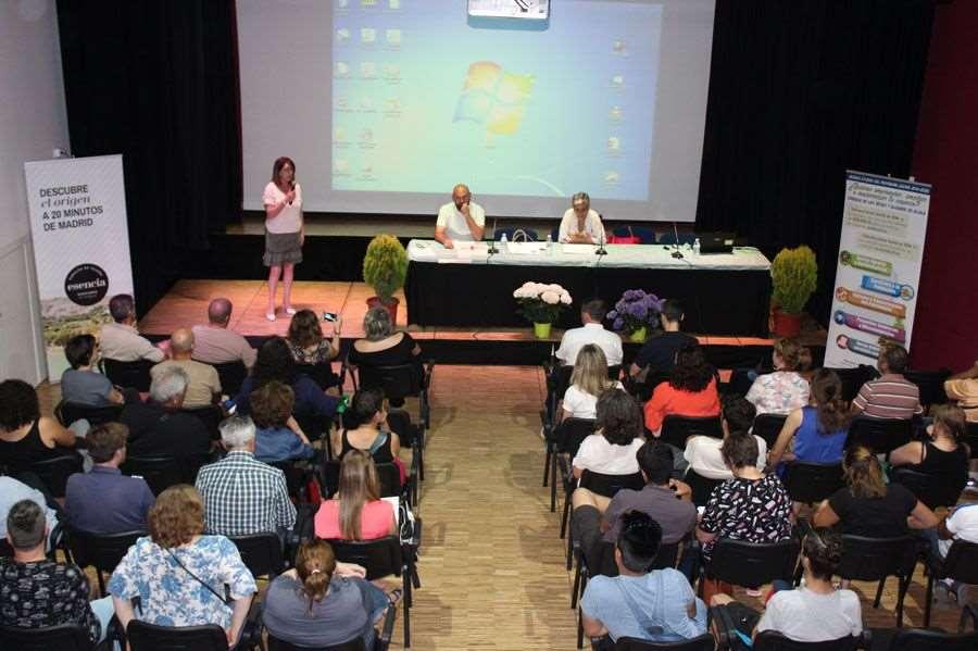 Los alumnos han asistido a sesiones de emprendimiento en las que se han formado sobre la constitución legal de sus futuras empresas