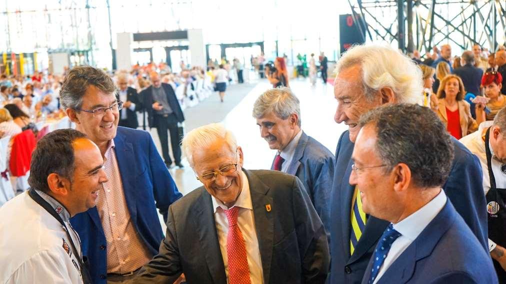 Luis del Olmo, como Presidente de Honor de Mensajeros de la Paz, ha actuado de pregonero del evento
