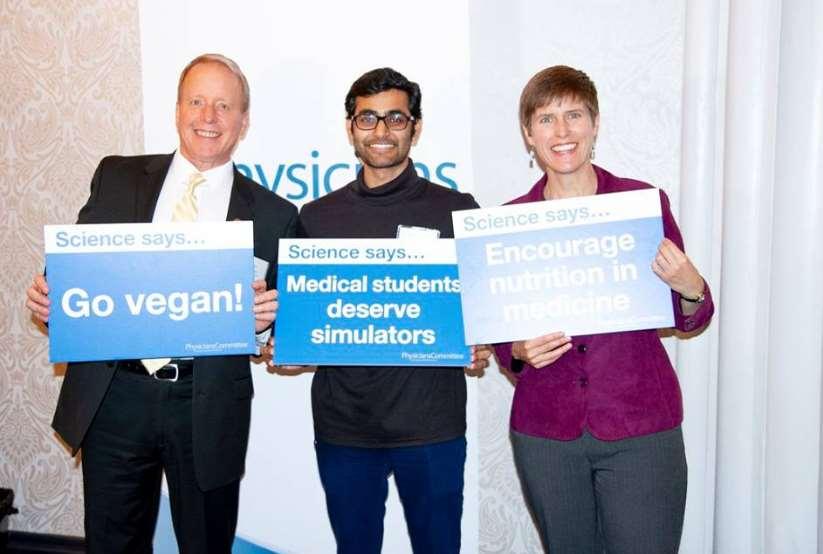 Los doctores viajaron a la capital estadounidense para la Sexta Conferencia Internacional Anual sobre Nutrición en Medicina, que se realiza en asociación con la Facultad de Medicina y Ciencias de la Salud de la Universidad George Washington y PCRM
