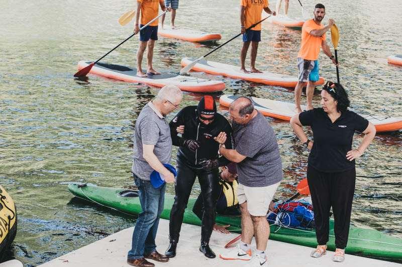 Carlos Peña logra nadar 24 horas a oscuras por la Retinosis Pigmentaria