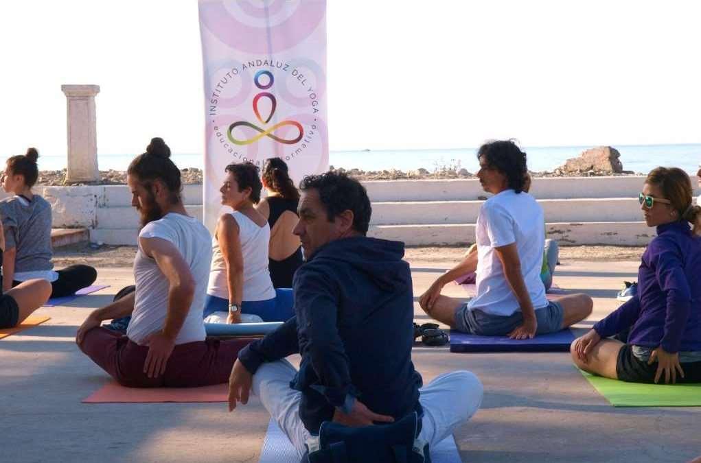 Clase Grupal en la V Fiesta del Deporte de Málaga, organizada por el IAYoga y el Área de Deportes del Ayto de Málaga
