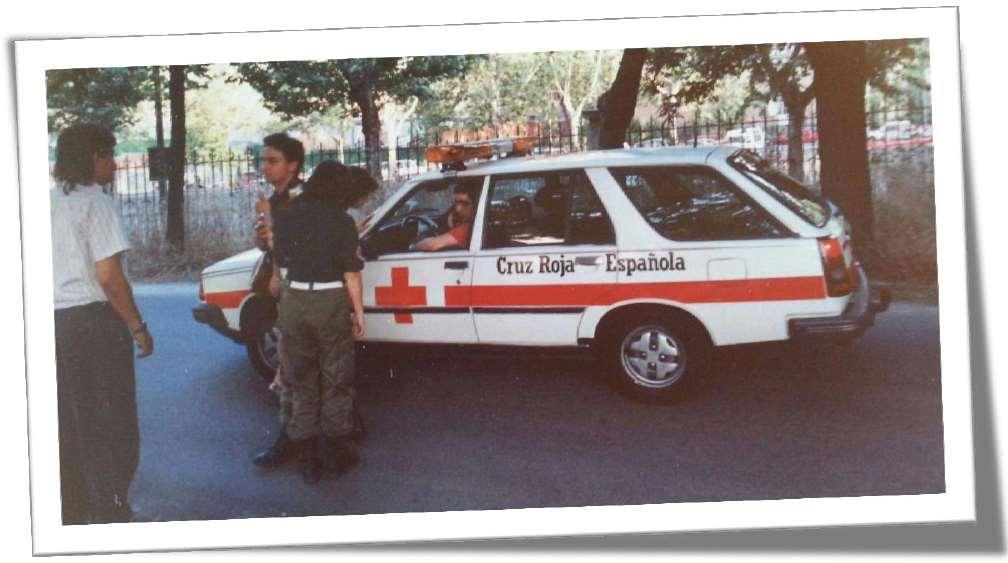 """Este """"coche médico"""", como unidad de intervención, fue siempre atendido por personal voluntario de la organización"""