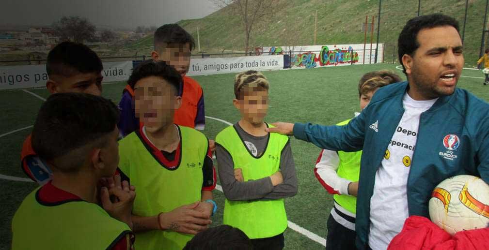 En España, Red Deporte desarrolla diversos programas e iniciativas que persiguen alcanzar, a través del deporte, los sueños y aspiraciones de los niños y jóvenes con menos oportunidades