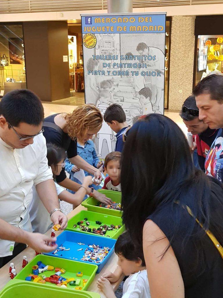 El Mercado del Juguete de Madrid es una opción de ocio familiar a tener en cuenta cada sábado de mes