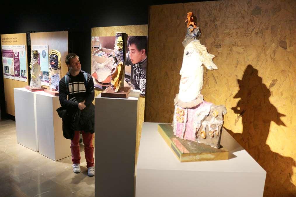 Huellas de barro: exposición escultórica hecha por alumnos con diversidad funcional