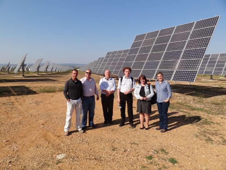 Miembros del grupo que ha desarrollado la herramienta informática para predecir la viabilidad de instalaciones de energías renovables, como la solar. Foto cortesía de la UCO