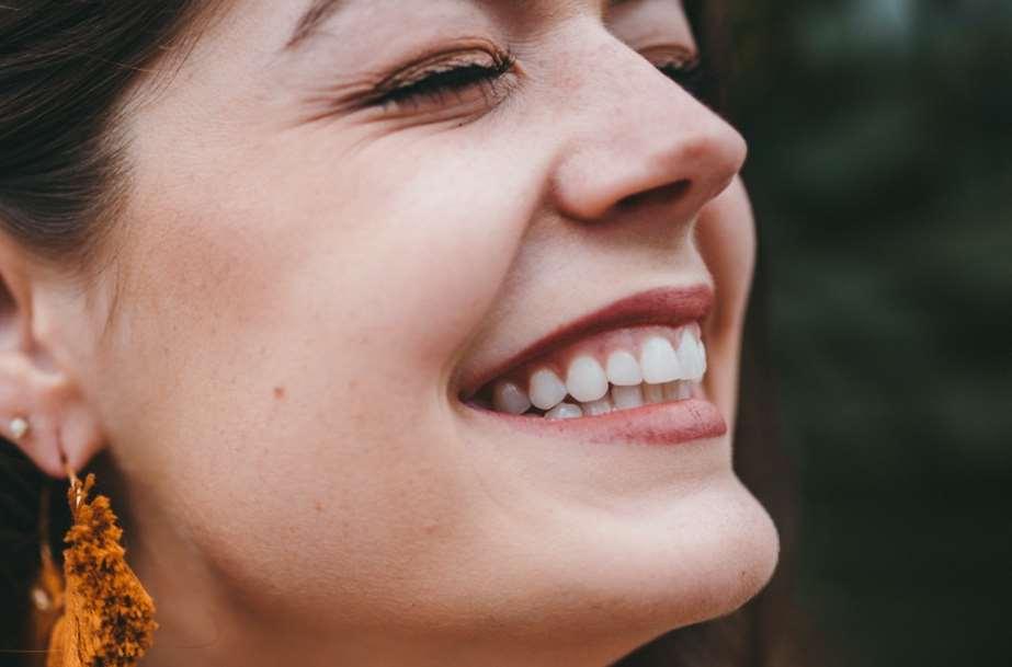 Crean nanopartículas para remineralizar dientes y huesos
