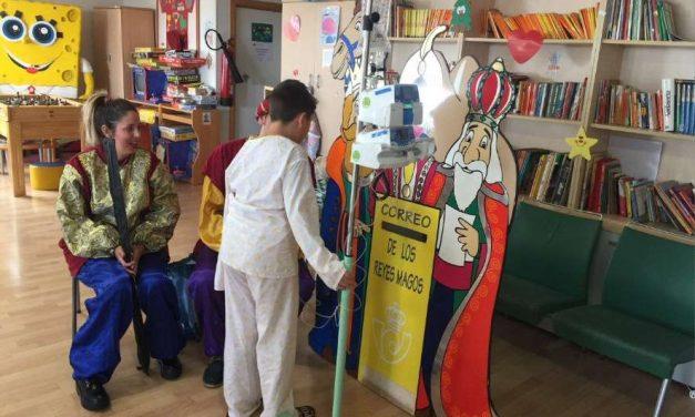 Recogida de cartas para los Reyes Magos en hospitales de Andalucía