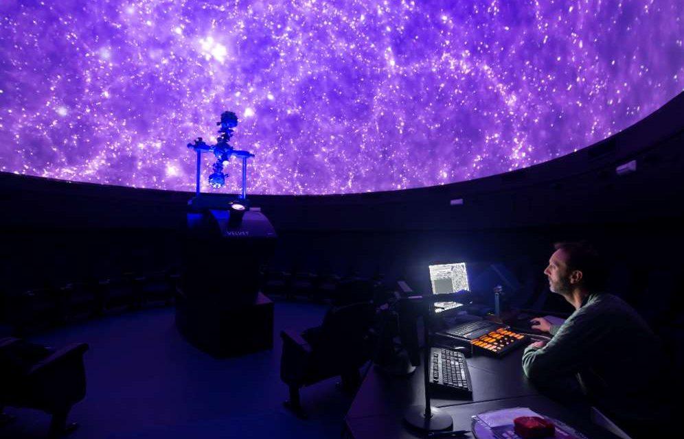El eclipse lunar del 21 de enero explicado en el Planetario del Parque de las ciencias