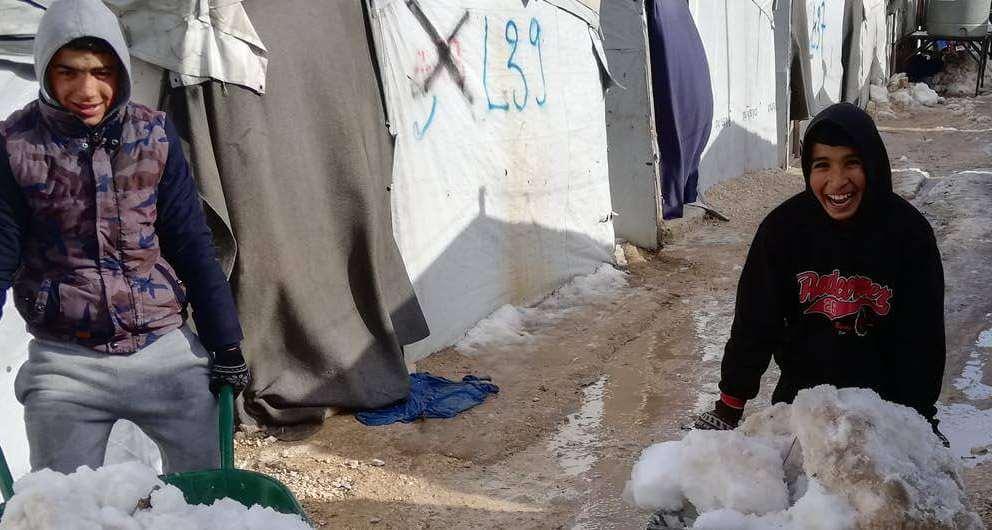 Acción contra el Hambre inicia una carrera contra reloj en Líbano para proteger a los refugiados sirios del viento, lluvia y heladas