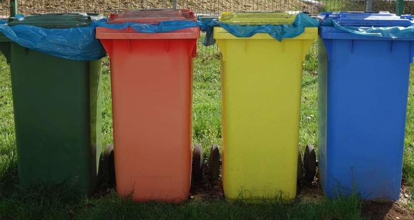 El asistente virtual de reciclaje se sirve del reconocimiento de voz, texto y fotografía, ya que es capaz de reconocer el tipo de residuo en la imagen que le enviemos