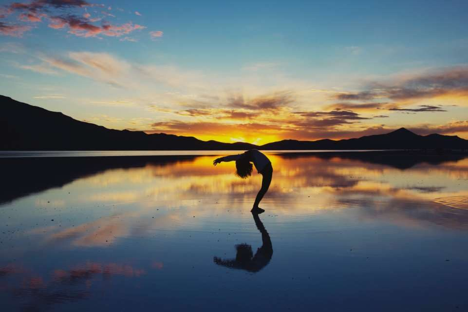 El IAYoga defiende ante los ministerios que no se incluya al yoga como pseudoterapia