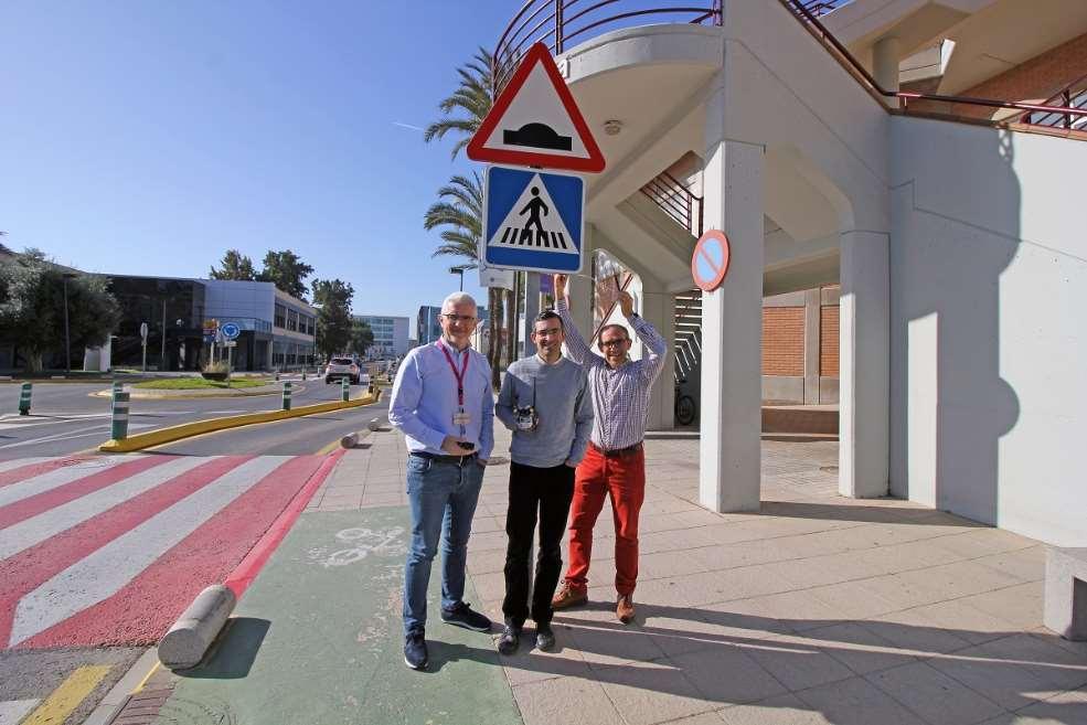 El sistema ideado por los investigadores de la Politécnica de Valencia facilita el 'diálogo' entre vehículos y señales. Foto cortesía de UPV