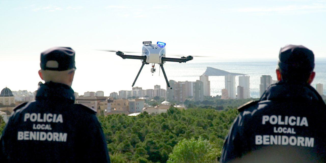 La policía local de Benidorm tiene un nuevo compañero: el HYBRiX Drone Policial