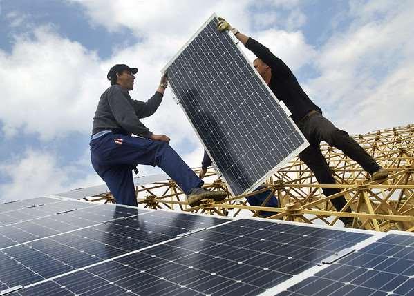 La participación ciudadana en las energías renovables es esencial para acelerar la transición energética.